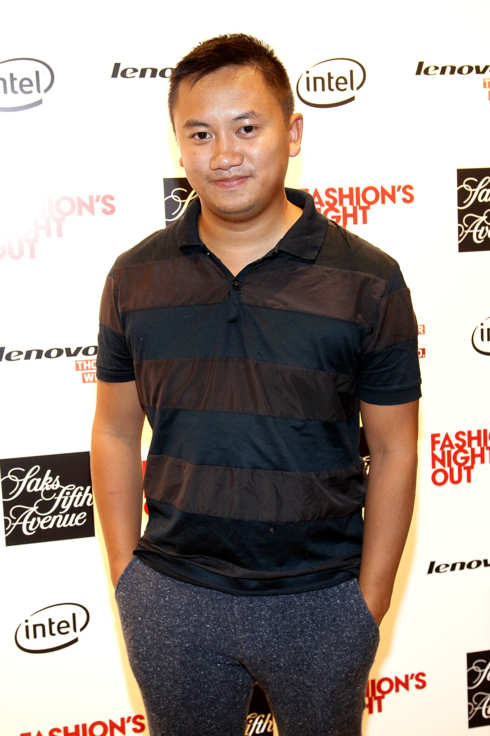 NEW YORK, NY - SEPTEMBER 08:  Tommy Ton at Saks Fifth Avenue on September 8, 2011 in New York City.  (Photo by Steve Mack/Getty Images for Vogue)