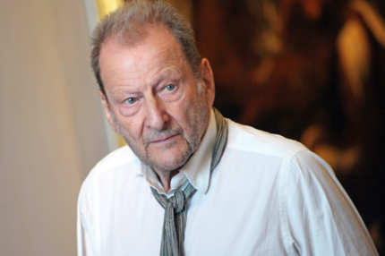 British painter Lucien Freud poses on July 4, 2010 during a visit at the Fesch museum in Ajaccio, on the the French Mediterranean island of Corsica. Born in Berlin, Freud emigrated with his family to Britain in 1933 as Nazism took hold in Germany, taking up painting in the 1940s, and over six decades his output has included a number of self-portraits.  AFP PHOTO STEPHAN AGOSTINI (Photo credit should read STEPHAN AGOSTINI/AFP/Getty Images)