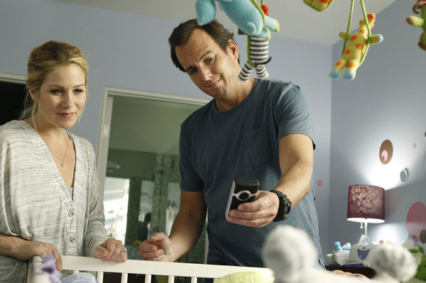 UP ALL NIGHT -- Pilot -- Pictured: (l-r) Christina Applegate as Reagan, Will Arnett as Chris -- Photo by: Trae Patton/NBC