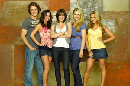 "MAKE IT OR BREAK IT - ABC Family's ""Make It or Break It,"" stars Zachary Burr Abel as Carter Anderson, Josie Loren as Kaylie Cruz, Chelsea Hobbs as Emily Kmetko, Ayla Kell as Payson Keeler and Cassie Scerbo as Lauren Tanner. (ABC FAMILY/BOB D'AMICO)"