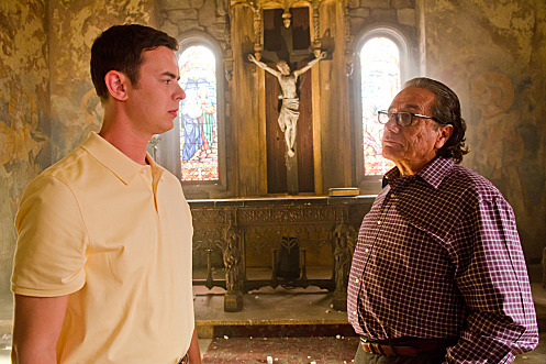 Colin Hanks as Travis Marshall and Edward James Olmos as Professor Gellar (Season 6, episode 5) - Photo: Randy Tepper/Showtime - Photo ID: dexter_605_0503