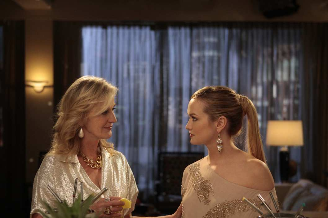 """RHODES TO PERDITION""""GOSSIP GIRL Pictured (l-r) Caroline Lagerfelt as Cece Rhodes and Kaylee DeFer as Charlotte 'Charlie' RhodesPHOTO CREDIT: GIOVANNI RUFINO/©2011 The CW Network, LLC. All Rights Reserved"