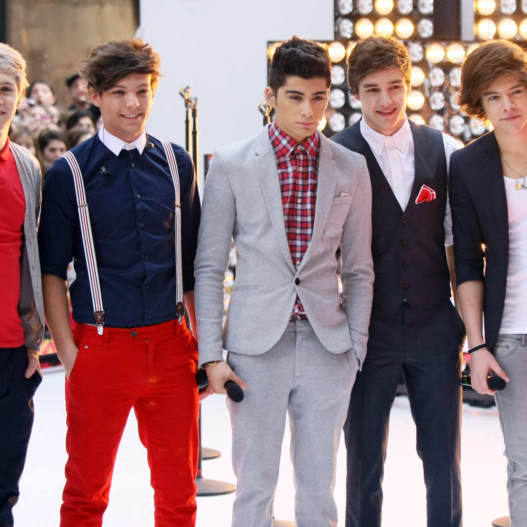"(L-R) Niall Horan, Louis Tomlinson, Zayn Malik, Liam Payne and Harry Styles of the band One Direction perform on NBC's ""Today"" show at Rockefeller Plaza on March 12, 2012 in New York City."