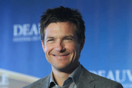 "US actor Jason Bateman poses during a photocall for the movie ""The Change-Up"" presented at the 37th US Film Festival, in Deauville, nortwestern France, on September 4, 2011. AFP PHOTO KENZO TRIBOUILLARD (Photo credit should read KENZO TRIBOUILLARD/AFP/Getty Images)"