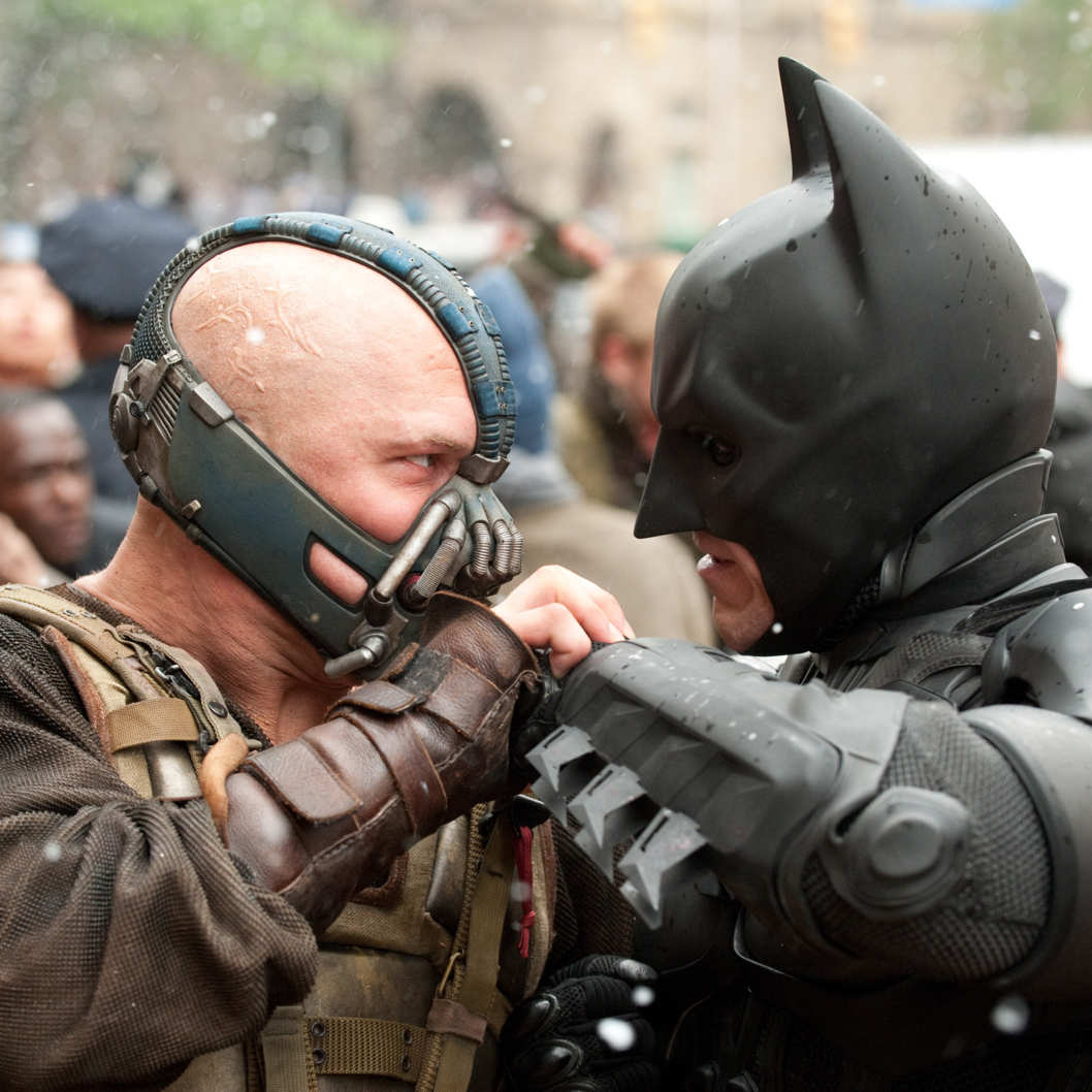 "(L-r) TOM HARDY as Bane and CHRISTIAN BALE as Batman in Warner Bros. Pictures' and Legendary Pictures' action thriller ""THE DARK KNIGHT RISES,"" a Warner Bros. Pictures release. TM and ? DC Comics"