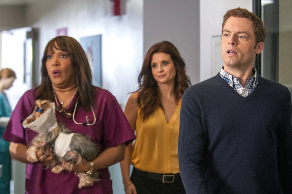 "ANIMAL PRACTICE -- ""Pilot"" -- Pictured: (l-r) Kym Whitley as Juanita, Joanna Garcia Swisher as Dorothy Crane, Justin Kirk as George Coleman"