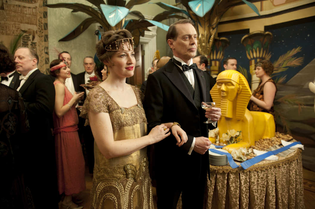 BOARDWALK EMPIRE episode 25 (season 3, episode 1): Kelly Macdonald, Steve Buscemi.