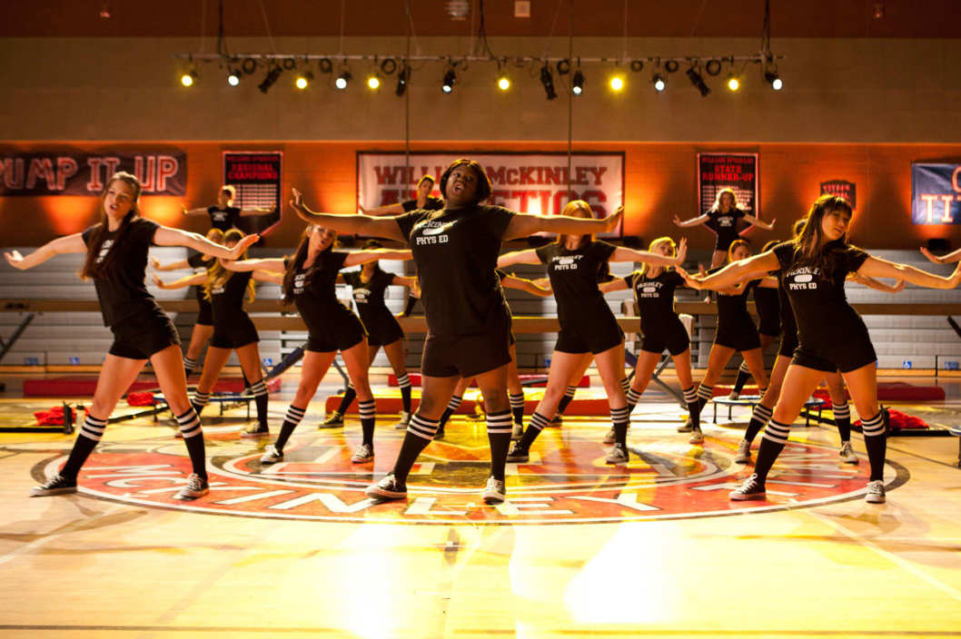 "GLEE: Marley (Melissa Benoist, L), Unique (Alex Newell, C) and Tina (Jenna Ushkowitz, R) perform in gym class in the ""Britney 2.0"" episode of GLEE airing Thursday, Sept. 20 (9:00-10:00 PM ET/PT) on FOX."