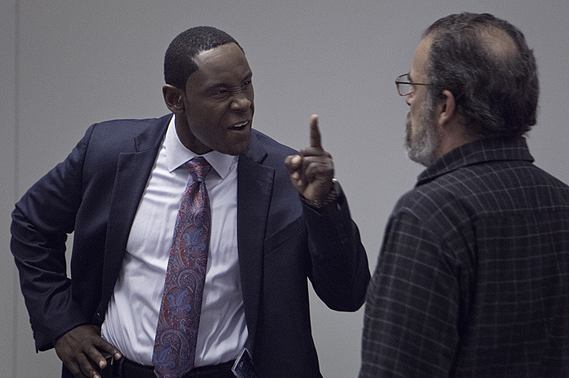 David Harewood as David Estes and Mandy Patink as Saul Berenson in Homeland (season 2, episode 10). - Photo:  Kent Smith/SHOWTIME - Photo ID: