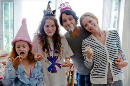 "(L to R) Charlotte (IRIS APATOW), Sadie (MAUDE APATOW), Pete (PAUL RUDD) and Debbie (LESLIE MANN) in ""This Is 40"", an original comedy from writer/director/producer Judd Apatow."