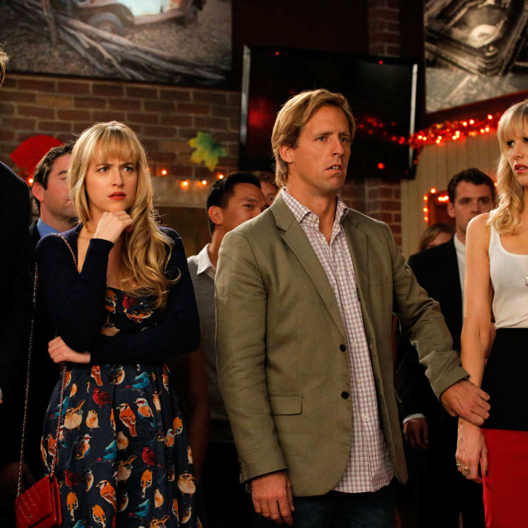 "BEN AND KATE: L-R: Will (guest star Geoff Stults), Kate (Dakota Johnson), Ben (Nat Faxon) and BJ (Lucy Punch) are shocked by Anna's singing talent in the ""Reunion"" episode of BEN AND KATE airing Tuesday, Nov. 20 (8:30-9:00 PM ET/PT)"