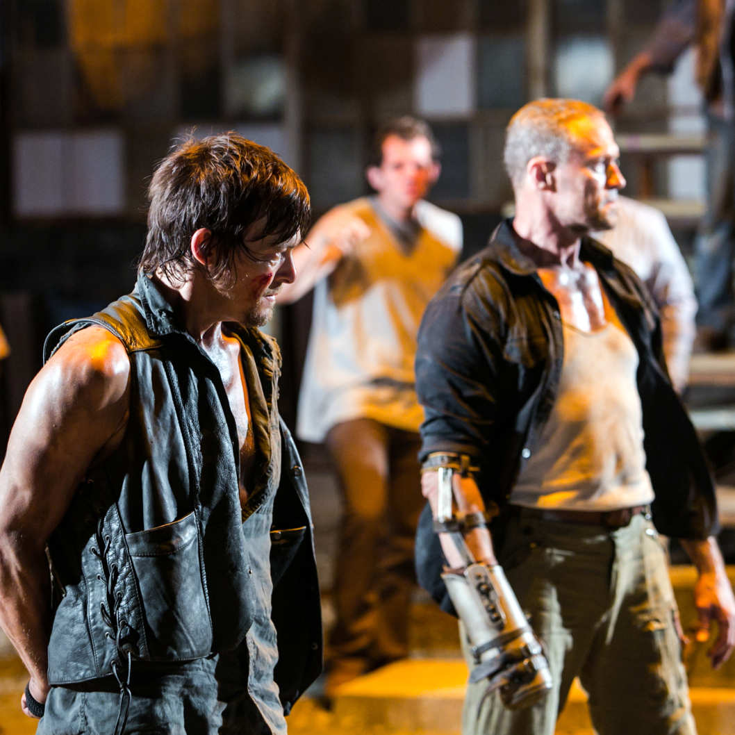 Daryl Dixon (Norman Reedus) and Merle Dixon (Michael Rooker) - The Walking Dead - Season 3, Episode 9