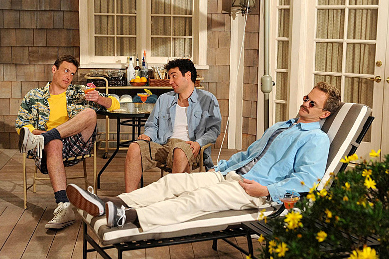 """Weekend at Barney'™s"" -- When Ted (Josh Radnor, center) and Jeanette break up, Barney (Neil Patrick Harris, right) tries to help him land a new girl by using the infamous playbook Robin thought he had destroyed, on HOW I MET YOUR MOTHER, Monday, Feb. 25 (8:00-8:30 PM, ET/PT)"
