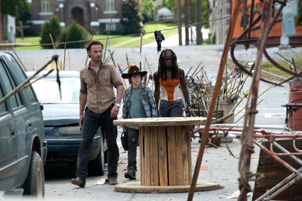 Rick Grimes (Andrew Lincoln), Carl Grimes (Chandler Riggs) and Michonne (Danai Gurira) - The Walking Dead - Season 3, Episode 12