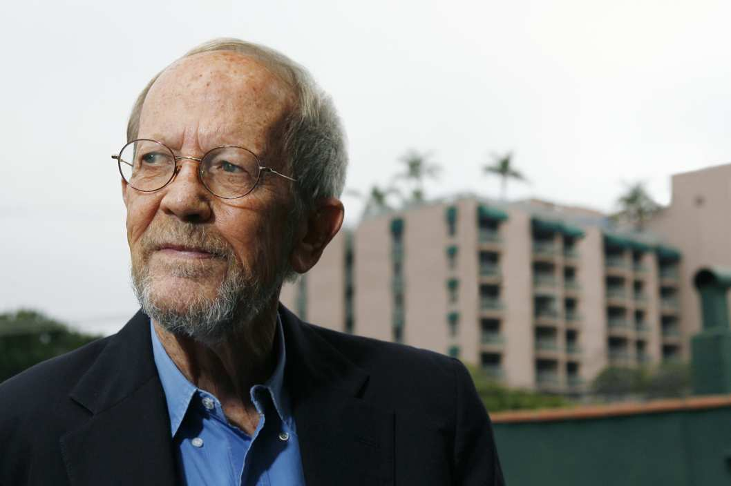 "LOS ANGELES - MAY 24:  Author Elmore Leonard poses during a portrait session prior to a reading and signing of his latest novel ""Up In Honey's Room"" on May 24, 2007 at Book Soup in Los Angeles, California. (Photo by Vince Bucci/Getty Images) *** Local Caption *** Elmore Leonard"