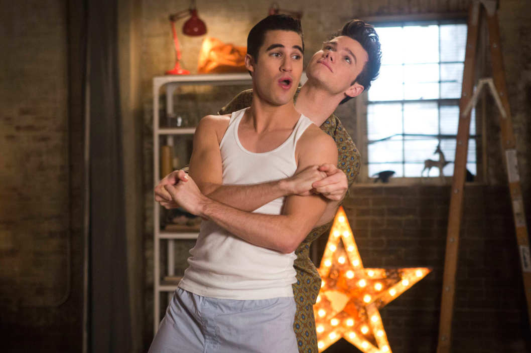 "GLEE: Blaine (Darren Criss, L) moves in with Kurt (Chris Colfer, R) in the ""New New York"" episode of GLEE airing Tuesday, April 1 (8:00-9:00 PM ET/PT) on FOX. ©Fox Broadcasting Co. CR: FOX"
