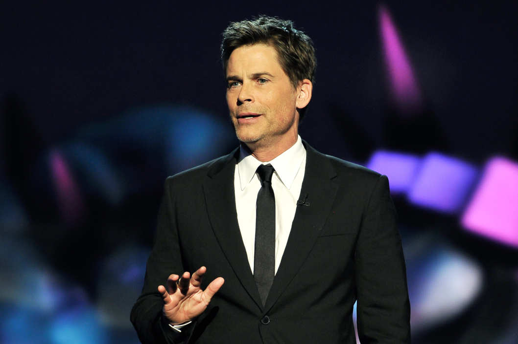 MOUNTAIN VIEW, CA - DECEMBER 12: Rob Lowe is a presenter at the 2014 Breakthrough Prizes Awarded in Fundamental Physics and Life Sciences Ceremony at NASA Ames Research Center on December 12, 2013 in Mountain View, California. (Photo by Steve Jennings/Getty Images for MerchantCantos)