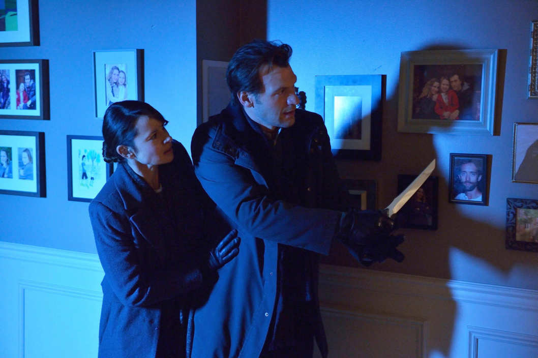"THE STRAIN ""It's Not For Everyone"" -- Episode 4 (Airs Sunday, August 3, 10:00 pm e/p) -- Pictured: (L-R) Mia Maestro as Nora Martinez, Corey Stoll as Ephraim Goodweather -- CR: Michael Gibson/FX"