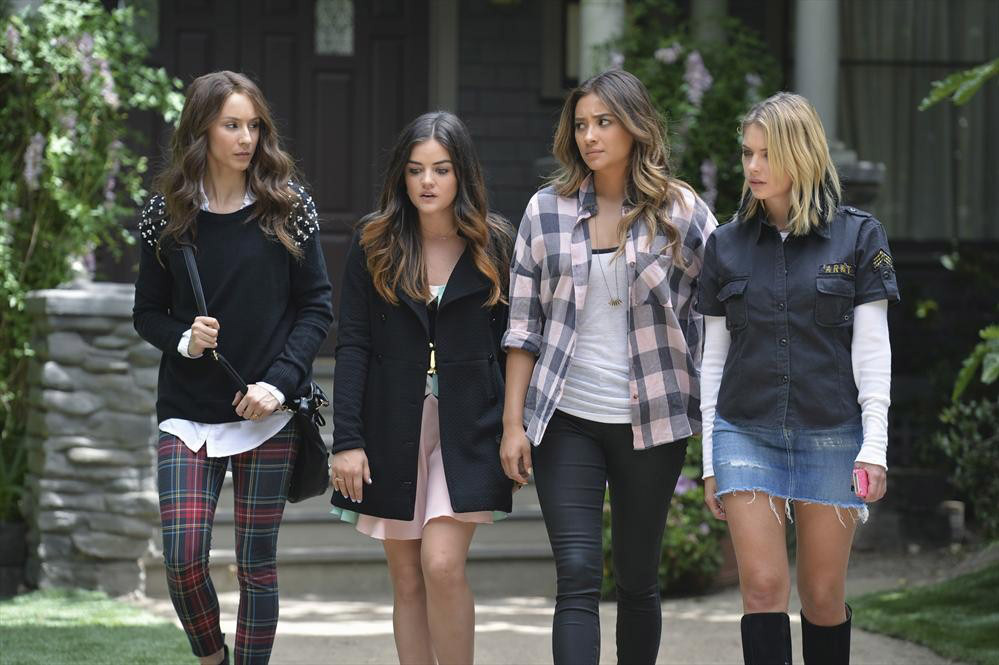 "PRETTY LITTLE LIARS - ""A Dark Ali"" - Ali's games may have pushed her friends too far when an innocent man's life is put in the balance in ""A Dark Ali,"" an all-new episode of ABC Family's hit original series ""Pretty Little Liars,"" premiering Tuesday, August 12th (8:00 - 9:00 PM ET/PT). (ABC FAMILY/Eric McCandless)TROIAN BELLISARIO, LUCY HALE, SHAY MITCHELL, ASHLEY BENSON"